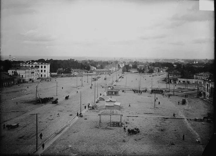 Как проходили публичные казни на Площади Горького?